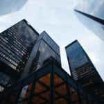 Comment les grandes entreprises travaillent-elles avec les freelances ?